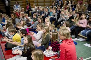 Enligt Nylands engagerade är Nylandsskolan i dag mer än välfylld.
