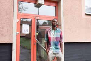 Lamin Ciisay är SFI-elev på Björkhagsskolan