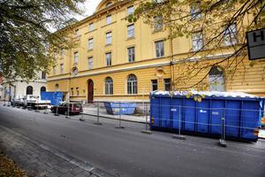 Nästa höst är det tänkt att hotellet ska stå klart. Nu har arbetet med att röja ut satt igång.