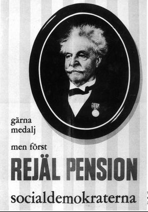 Evig stridsfråga. Pensionerna har, som den här klassiska valaffischen visar från 1957 visar, länge varit en viktig fråga i svensk politik. Nu varnar Folksam för lägre pensioner i framtiden.foto: scanpix