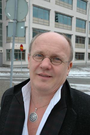 Världstrombonisten Christian Lindberg blev ett namn även som dirigent under sina sex år med Nordiska kammarorkestern.