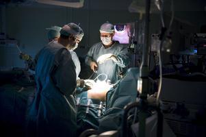 Ställdes in. Till sist blev läget vid kirurgikliniken i Falun så ansträngt att man tvingades skjuta icke-akuta operationer på framtiden.