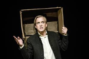 Andreas T Olsson i sin tokhyllade monolog
