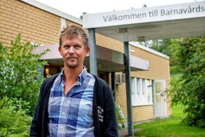 Patrik Wreeby driver fyra vårdcentraler och är starkt kritisk till landstingets planer att strypa vinsten.