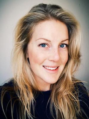 Sara Dinwiddie.