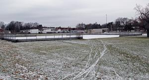 Här är den tänkta byggplatsen. Ekbergaskolan ligger längst till höger.