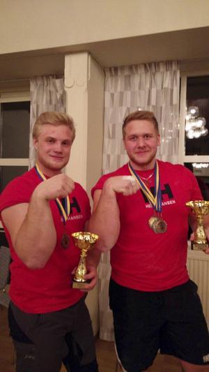 Ronny Dahl (till vänster) och Erik Fahlgren var framgångsrika i Golden Arm.   Foto: Privat