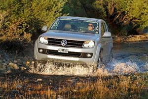 Med inkopplingsbar fyrhjulsdrivning tar sig VW Amarok fram i riktigt eländig terräng. Med automatisk fyrhjulsdrivning blir den mer komfortabel på vägen, men mindre duktig i terräng.Foto: Ashim Hartmann