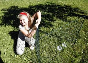 Amanda Nilsson hade nog helst velat behålla Emil. Men kaninen får det bra hos sina ägare i Lexe.