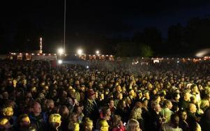 Över 4000 personer hade letat sig till Rättviksparken. Foto: Kalle Sundin