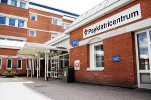 Regionledningen svarar om hur bristen på sjuksköterskor i psykiatrin ska åtgärdas.