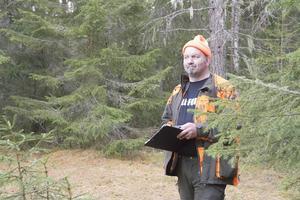 Ralph Persson har inte hämtat sig från uppståndelsen som hans filmade björnmöte fört med sig.