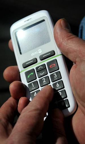 Det finns mobiler avsedda för äldre, men få köpare.Foto:  SCANPIX