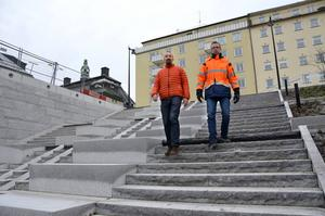 Johan Lindstammer och  Stefan Näslund på kommunen har siktet inställt på invigningen på lördag.