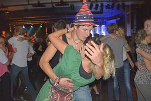 Två av de som roade sig på dansgolvet var Ulrika Svensson från Örnsköldsvik och Isak Pettersson från Jämtland.