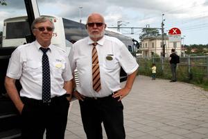 Semester är inget som lockar busschaufförerna Nils-Olov Zetterblad och Örjan Oppgård.