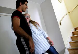 Saman Bahram, 17 år och Johanna Frandsen, 17 år trivs på lägret.