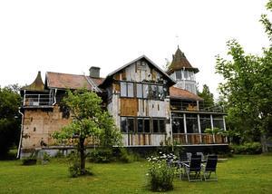 Träpatronen, tidigare kallad Utviks herrgård och Villa Fridsbo är till salu.