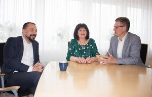 Ulla-Marie Hellenberg våren 2017 tillsammans med Ksons dåvarande förbundsdirektör Christian Foster och vårdbolaget Tiohundras chef Peter Graf.