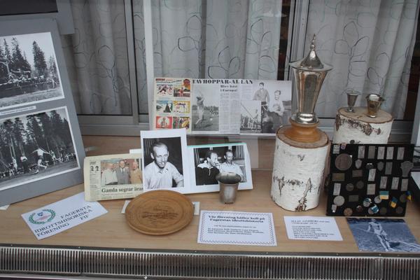 Utställning. På Fagersta bibliotek finns nu en utställning där bland annat Allans medaljer och pokaler visas.