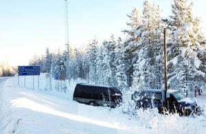 Avfarten utanför Hedeviken efter riksväg 84 är olycksdrabbad. Varje vinter händer det att fordon hamnar i diket när förarna inte fått stopp på ekipagen.