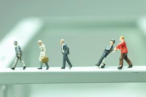 Den rödgröna regeringen har lämnat sitt förslag i frågan om anställningsformen allmän visstid.