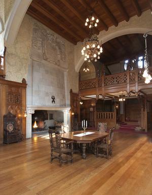 Stora entréhallen på Tjolöholms slott.