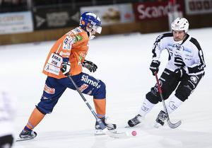 SAIK och Daniel Mossberg är ute efter revansch efter storförlusten mot Bollnäs. Nu möts lagen i Sandviken och det gäller att ha koll på förra SAIK:aren Daniel Berlin.