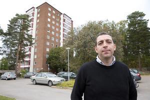 OROLIG. FP-politikern Roger Haddad har uppmärksammat grannarnas oro i höghuset på Pettersberg och säger att politikerna måste ta det på allvar.Foto: Kenneth Hudd