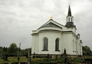"""FÅ KANDIDATER. Flera församlingar i Tierps kommun har haft att problem att få fram kandidater till kyrkovalet. """"Många vill ställa upp om man bara slipper den politiska delen"""", säger Bengt Jansson."""
