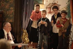 """""""En julberättelse"""" på 7:an. Det handlar om en familj som brakar samman under en julhelg fylld av slagsmål, otrohet och bekännelser."""