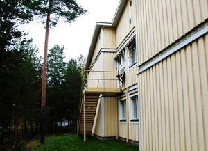 Brandtrappa. Det var via en olåst branddörr och denna trappa som 82-åringen under natten till den 12 oktober förra året tog sig ut från demensavdelningen vid Söderåsen.