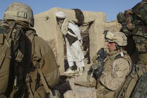 Gemensam insats. Den internationella ISAF-styrkan i Afghanistan har svenskt deltagande. Foto: Scanpix