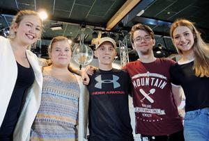 De vill få i gång studentlivet i Borlänge. Från vänster: Jenny Andersen, Julia Lilja, Johan Bauer, Linus Dahlblom och Rebecca Frölander.
