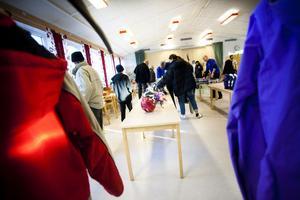 Jackor, skridskor och skidor såldes på Gärdeåsskolan.