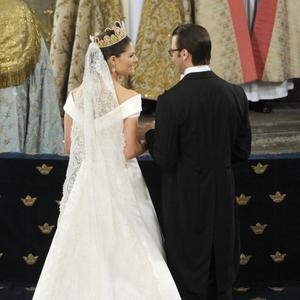 De sade ja. Tv-tittarna fick vara med hela bröllopsdagen, ända fram till brudvalsen på kvällen. foto: scanpix