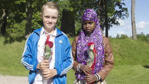 Klockarbergsskolan uppmärksammar elever som varit föredömen i kamratskap, sprida positiv energi och annat som inte syns i betygen. Här syns tredjeklassarna Jonathan Pettersson och Amran Abshir.