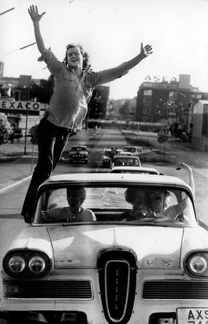 19 juni 1977. Solen skiner, livet leker. Det är powermeet.
