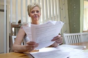 """Lättad. Pernilla Schmidt tvingades att låna pengar av sina föräldrar och vänner för att klara sig under sommaren. Hon är glad att hon kommer att få sina pengar nu, men ledsen över hur mycket hon varit tvungen att kämpa. """"Man känner sig så liten mot en myndighet"""", säger hon. Foto: Margareta Andersson"""