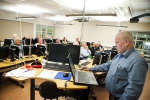 Tillsammans med fyra kollegor informerade skogskonsulenten Thomas Jonsson om de nya digitala möjligheterna.