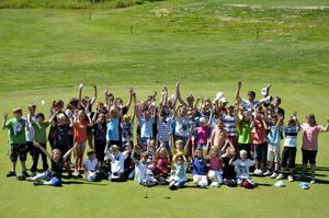 Ökat intresse. Det här året hade 60 barn och ungdomar anmält sig till golfskolan i Askersund.