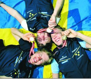 NM-vinnare. Helena Jansson, överst till vänster, Kajsa Nilsson och Emma Engstrand ingick i det svenska laget som vann gårdagens NM-stafett på Bornholm.