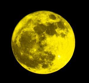 Månen var underbart klar denna kväll.