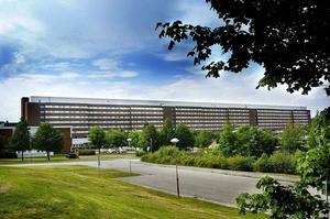 Trycket är högst på medicinavdelningarna på Sundsvalls sjukhus, men även Sollefteå har fullt.