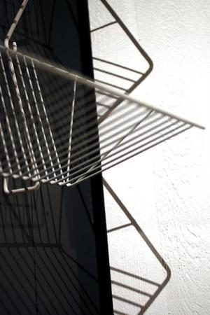 Tidningshyllan i string var en av Nisse Strinnings skapelser.