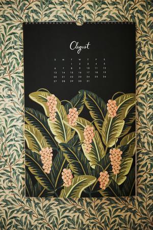 Väggkalendern som Johanna får många frågor om på Instagram kommer från Rifle Paper.