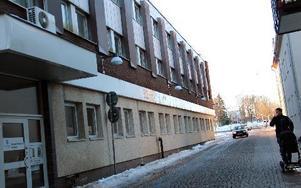 Sveagränd 2, fastigheten intill Wasabryggeriet och Sveatorget, kan bli Borlänges nya skola. Tre friskoleföretag vill ha sina lokaler i huset.
