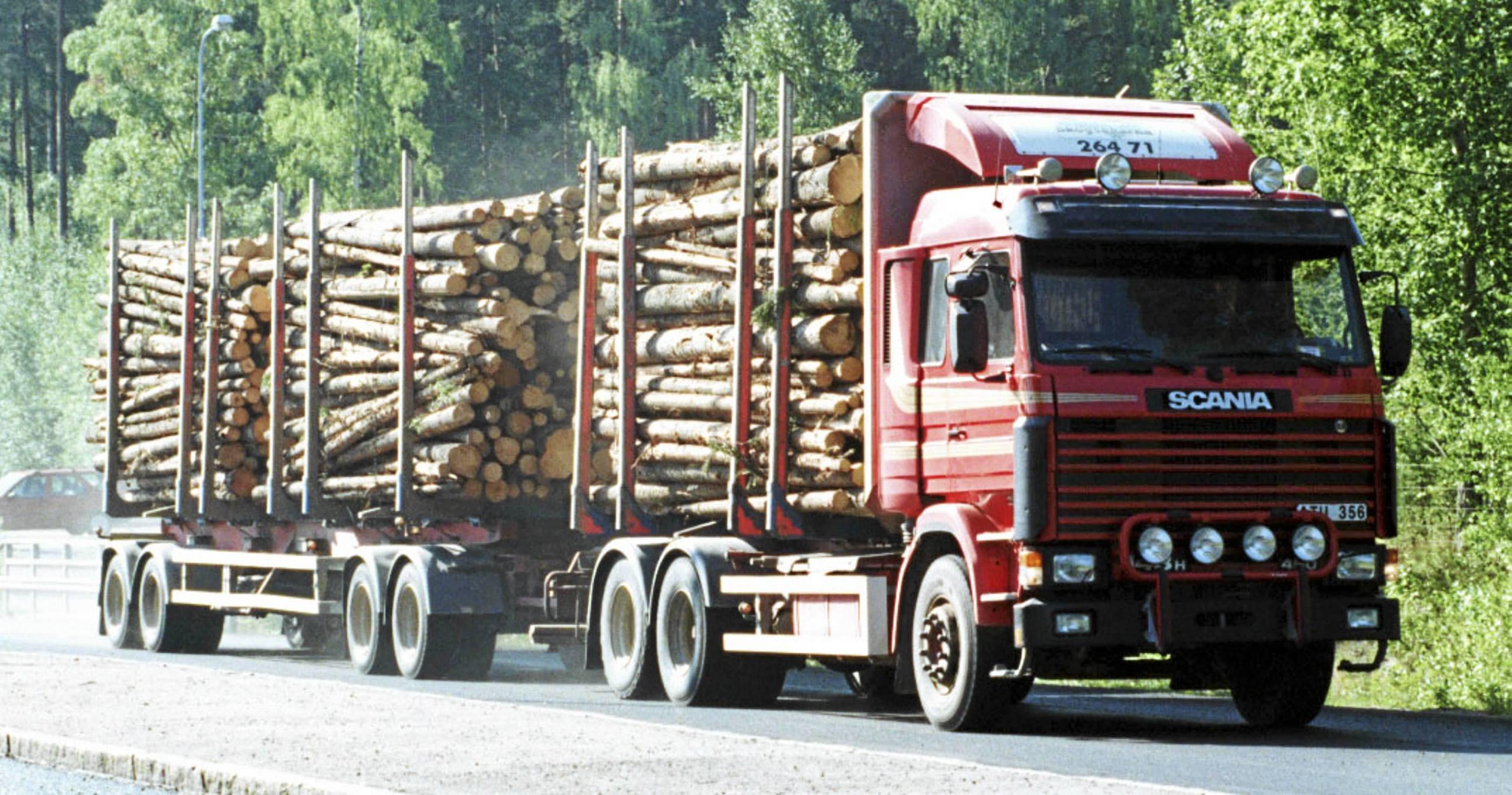 Scania moblerar om i ledningen 3