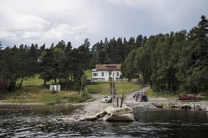 Utøya från vattnet. I år är det fem år sedan terrordåden i Oslo och på Utøya.