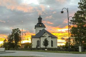 Lite mindre än Notre Dame, men Svegs kyrka rymmer samma toner av organisten Stephen Hicks.